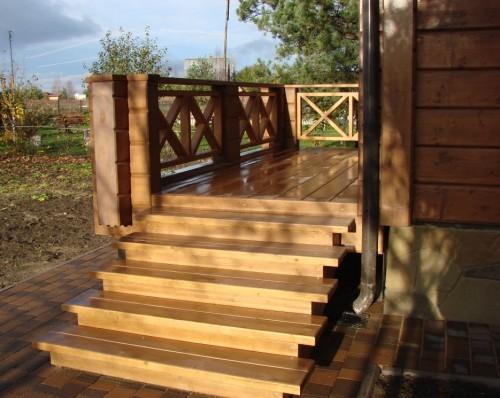 Специфика строительства деревянного крыльца