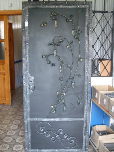 Кованая дверь - купить недорого в г.Майкоп, цена, фото. Подрядная организация 'Великан'