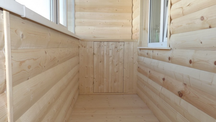 Обшивка балкона блок хаусом (имитация под брус) фото видео.